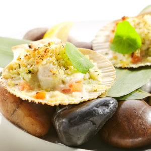 морской гребешок в соусе песто под моцареллой  3 300x300 - Гребешок запеченный с песто